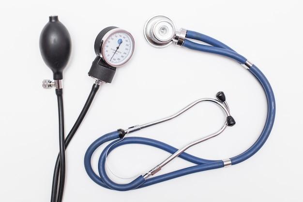 Traitement d'examen pharmaceutique santé pharmacie blanche