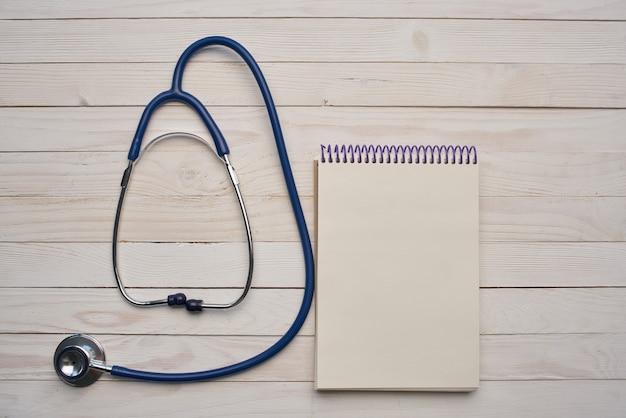 Traitement pharmaceutique de médecine de bloc-notes de stéthoscope