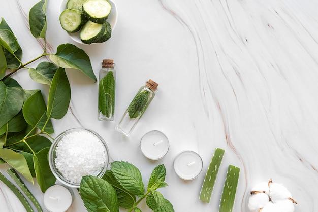 Traitement des produits cosmétiques avec copie-espace