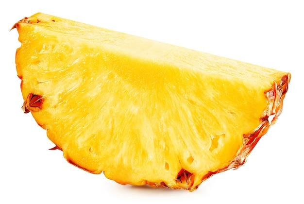 Tranche d'ananas isolé sur fond blanc. tracé de détourage d'ananas mûr.