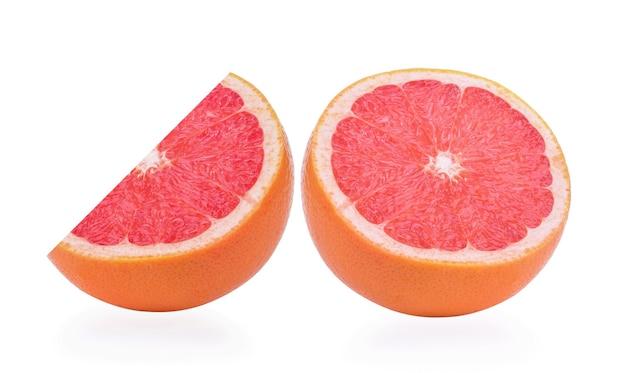 Tranche d'orange isolé sur fond blanc