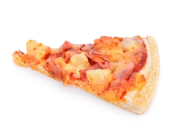 Tranche de pizza sur blanc