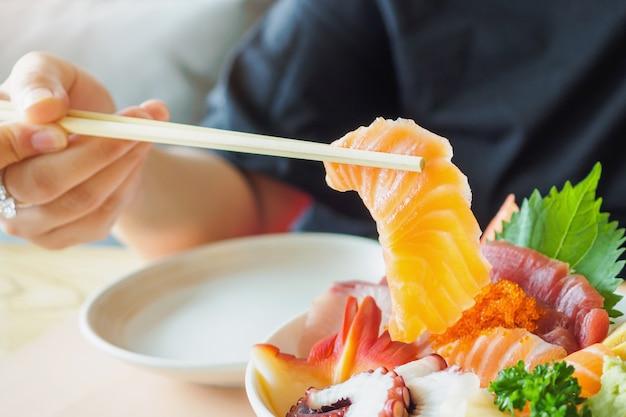Tranche de saumon en baguettes