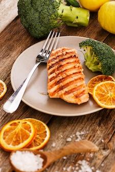 Tranche de saumon grillé