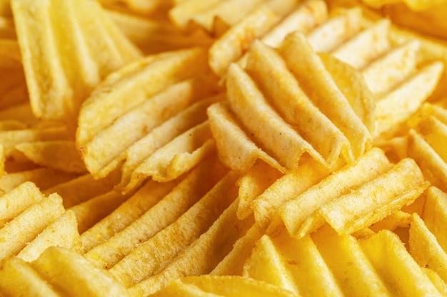 Tranches de chips frites juteuses et délicieuses