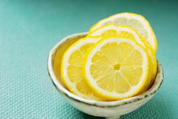 Tranches de citrons. fermer.