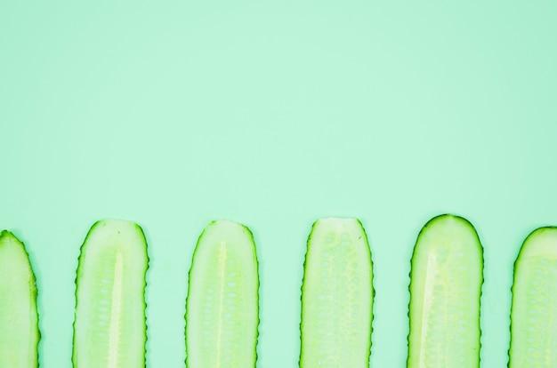 Tranches de concombre de la vue de dessus