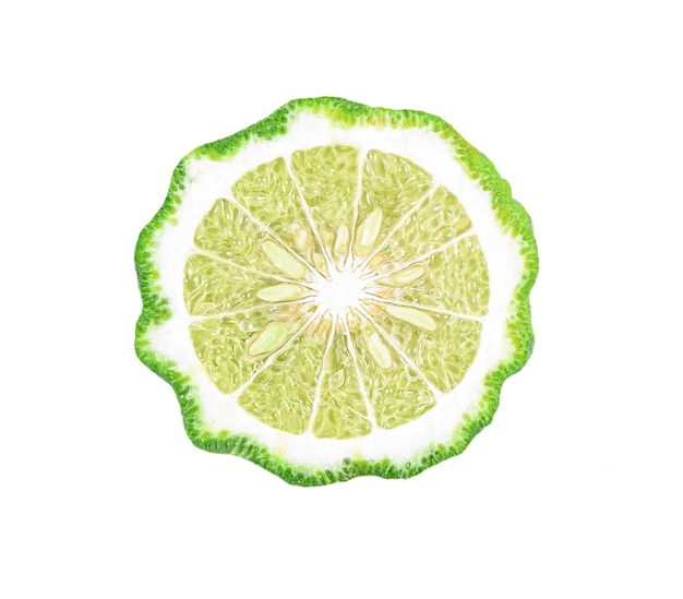 Tranches de fruits de bergamote isolés sur fond blanc