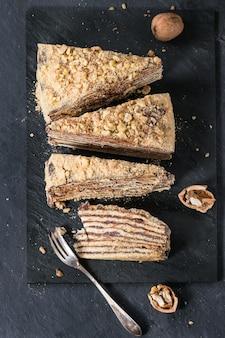 Tranches de gâteau au miel maison