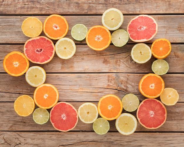 Tranches d'oranges et de citrons