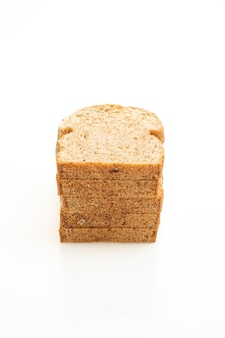 Tranches de pain complet isolé sur blanc