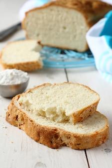 Tranches de pain maison sans gluten