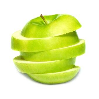 Tranches de pomme verte isolée