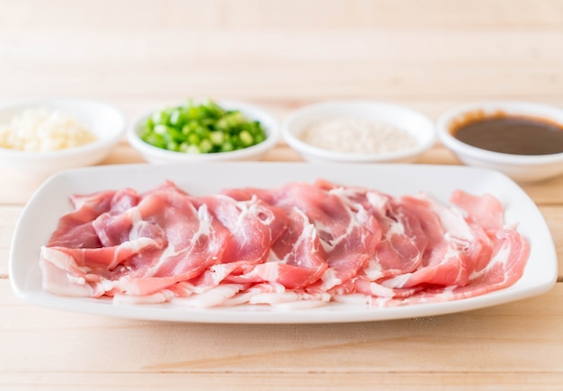 Tranches de porc fraîches