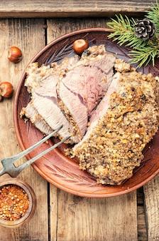 Tranches de viande de noël grillées