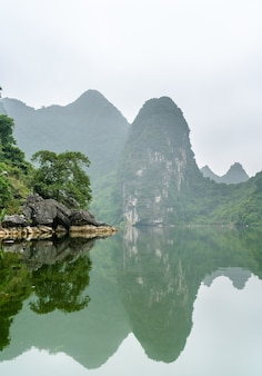 Trang an scenic landscape complex. au vietnam