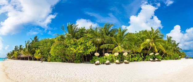 Transat en bois aux maldives