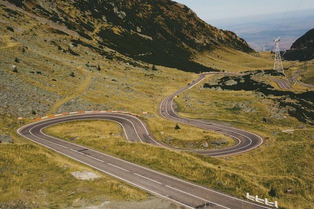 Transfagarasan, roumanie route sinueuse dans les montagnes