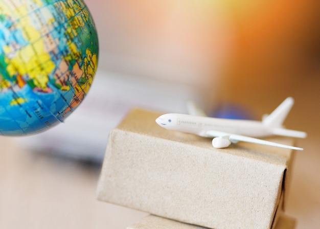 Transport logistique import import export service d'expédition les clients commandent des choses