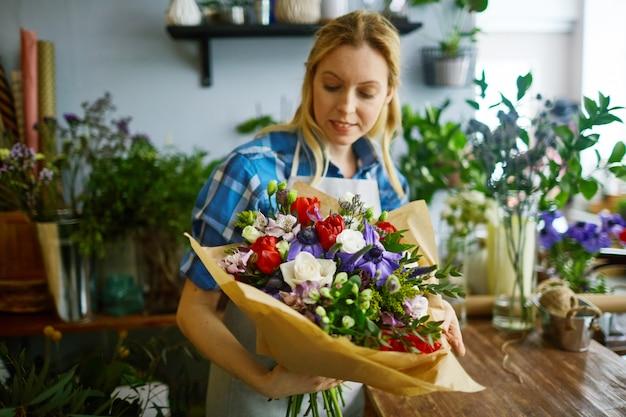 Travail de fleuriste