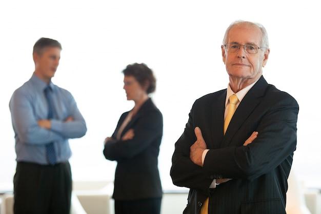 Travailler horizontal groupe costume de bureau