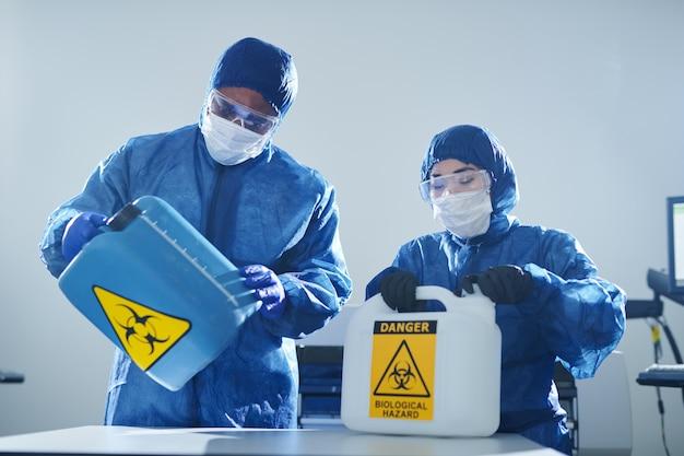 Travailler avec les risques biologiques