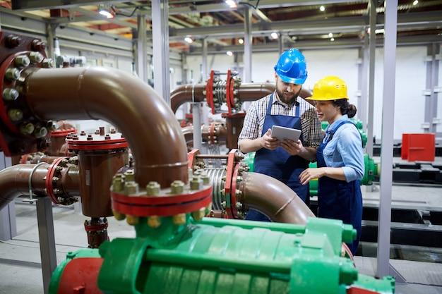 Travailleurs dans le système de purification