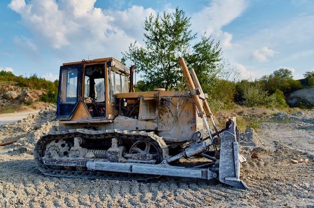 Travaux d'excavatrice géologie industrie de la construction