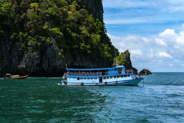 Travel boats mer d'andaman, belles destinations en asie