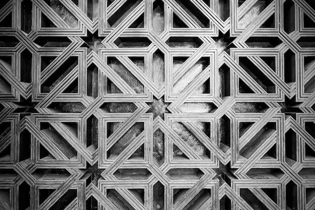 Treillis en bois à l'extérieur de la mosquée cathédrale de cordoue en espagne