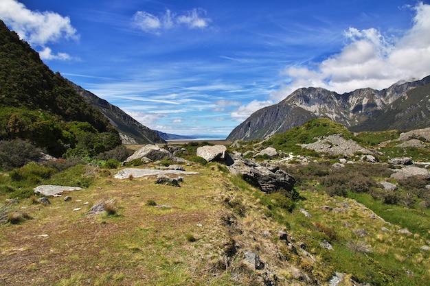 Trekking dans la vallée de hooker en nouvelle-zélande