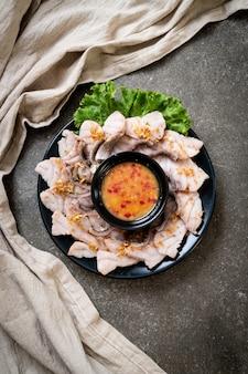 Trempette de poisson bouilli avec sauce