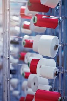 Tricot circulaire industrie textile bobine de tissage et ourdissage