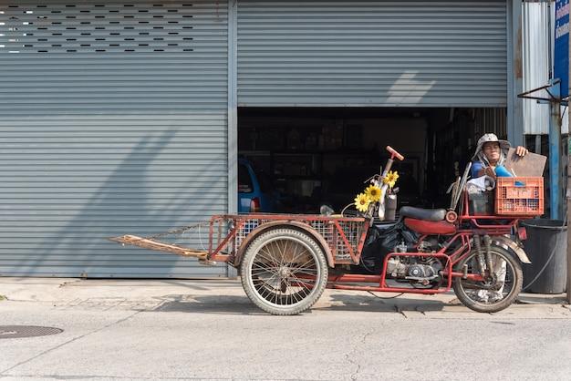 Tricycles de fret (saleng, zaleng) acheter objet non utilisé