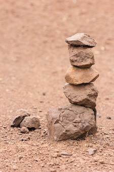Trier les pierres pour renouveler leur foi.