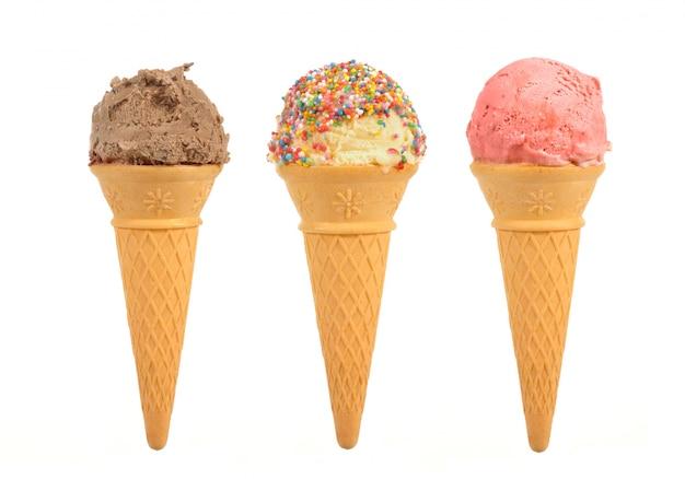 Trois différentes crèmes glacées