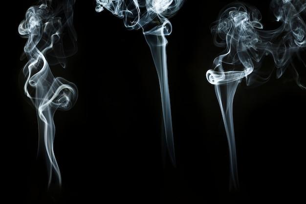 Trois Formes Ondulées De Fumée Photo gratuit