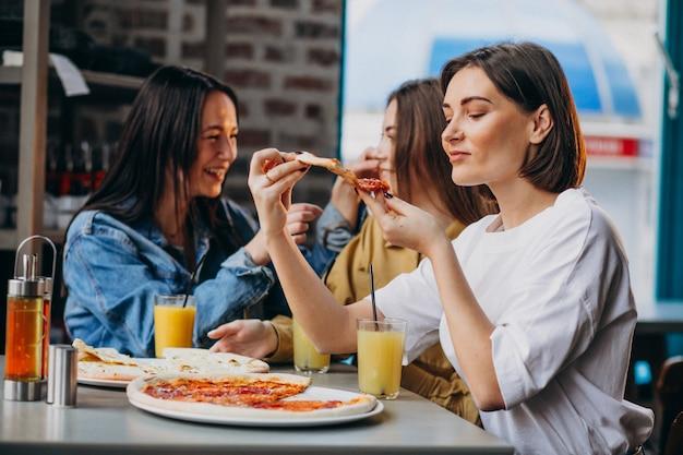 Trois, girl, amis, avoir, pizza, barre