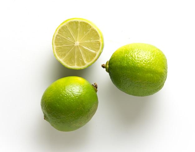 Trois limes fraîches
