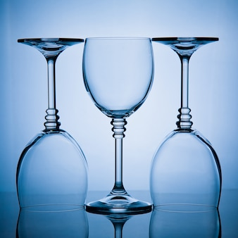 Trois verres à vin d'affilée