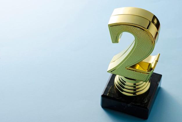 Trophée d'or à la deuxième place avec espace de copie
