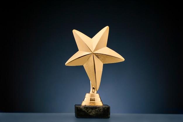 Trophée sportif étoile d'or pour un championnat