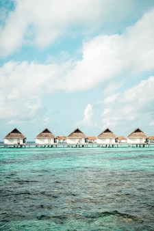 Tropical maldives resort hotel and island with beach and sea for holiday vacation concept - booster le style de traitement des couleurs