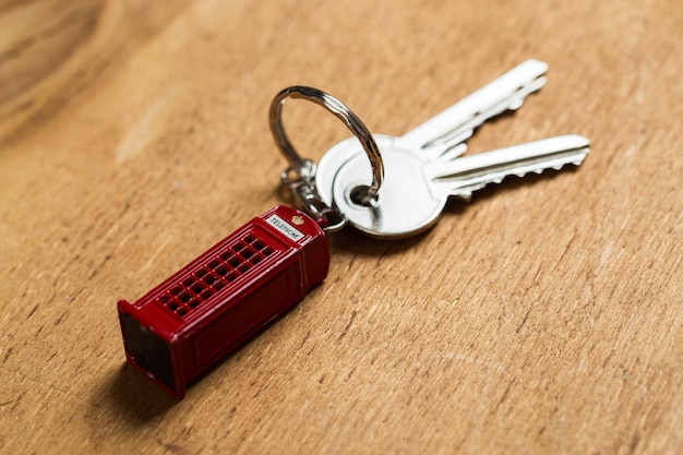 Trousseau de clés sur la table