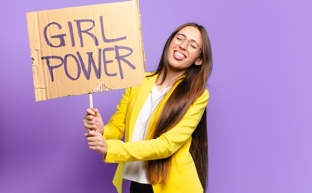 Tty femme d'affaires féministe. concept de puissance de fille