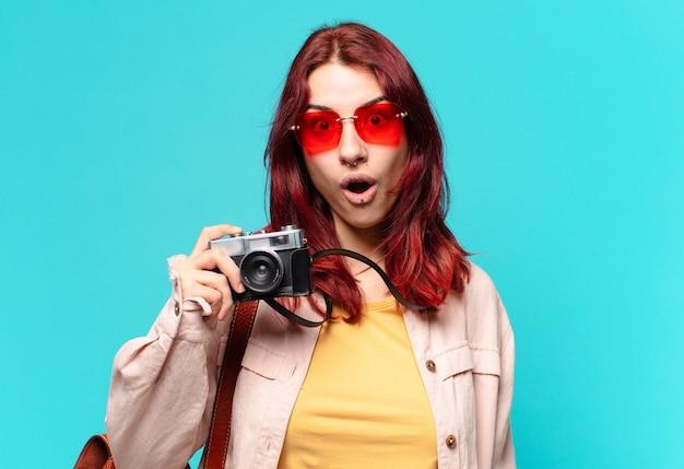 Tty voyageur femme. concept de tourisme