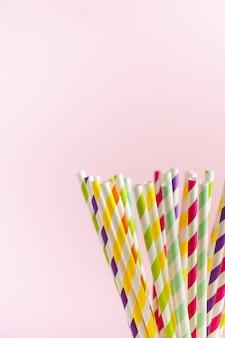 Tubes en papier rayé biodégradable multicolore pour boissons et cocktails