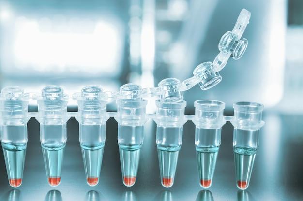 Tubes pour l'amplification de l'adn par pcr