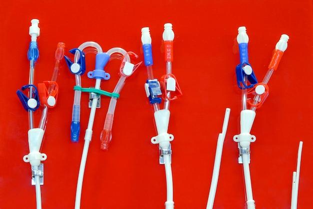 Tubes et tuyaux à utiliser pour contourner les patients