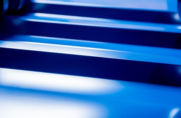Tuiles métalliques bleues